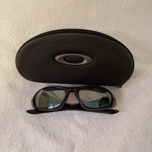OAKLEY MINUTE 2.0 Polarized Lenses With Case